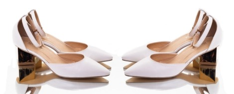 MNML GOLDEN CUT-OUT HEELS in White